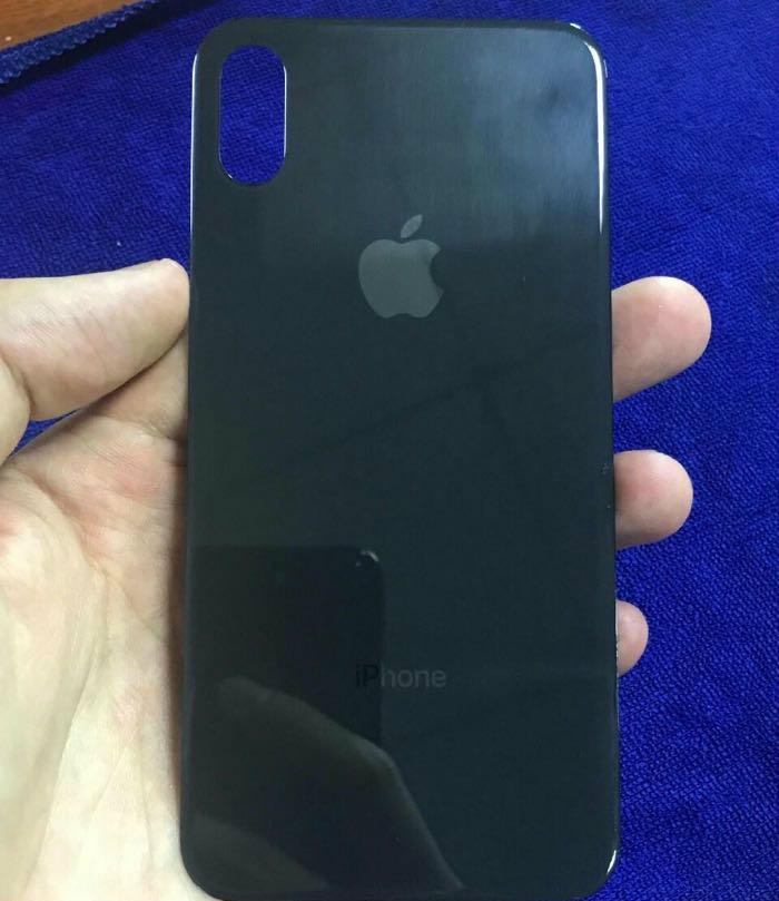 iPhone 8-in arxa panelinin götüntüləri yayıldı